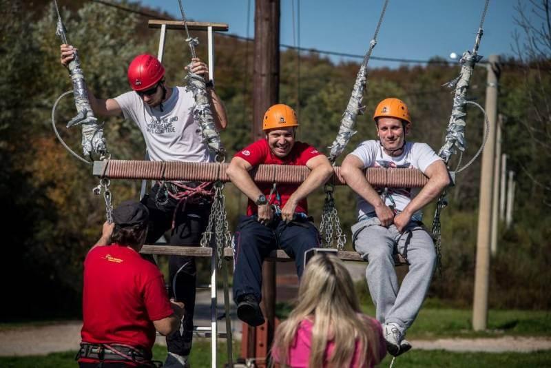 Mobendo team building adrenalinski park