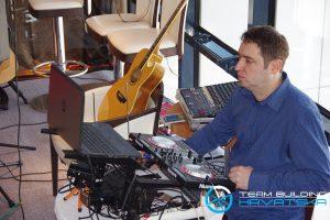 Party u Vertigo baru - DJ